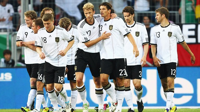 deutschland, Germany, German men, German soccer team, German football team, Lucas Podolski, Thomas Mueller, Thomas Muller, Sebastian Schweinsteiger, Lahm, Neuer, Mesut Ozil, Sam Khedira
